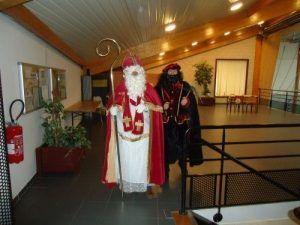 Saint Nicolas et le père fouettard