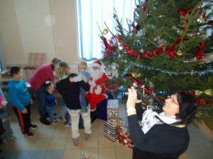 Distribution des cadeaux