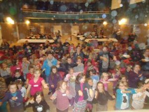 La danse des clowns avec les enfants du CCAS