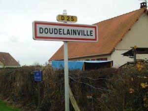 Nous entrons dans le village de Doudelainville (somme 80)