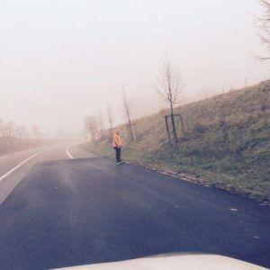 Un inconnu sur la route