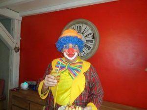 spectacle de clown pour anniversaire dans le nord pas de calais. Black Bedroom Furniture Sets. Home Design Ideas