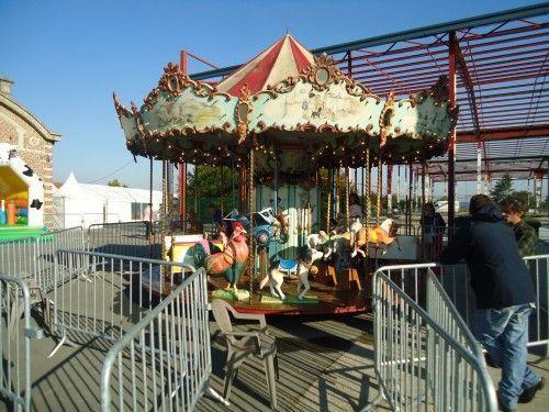 Le carrousel et ses chevaux de bois