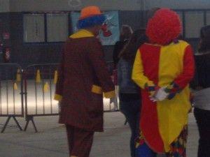 Fin de journée les clowns rentrent à la maison