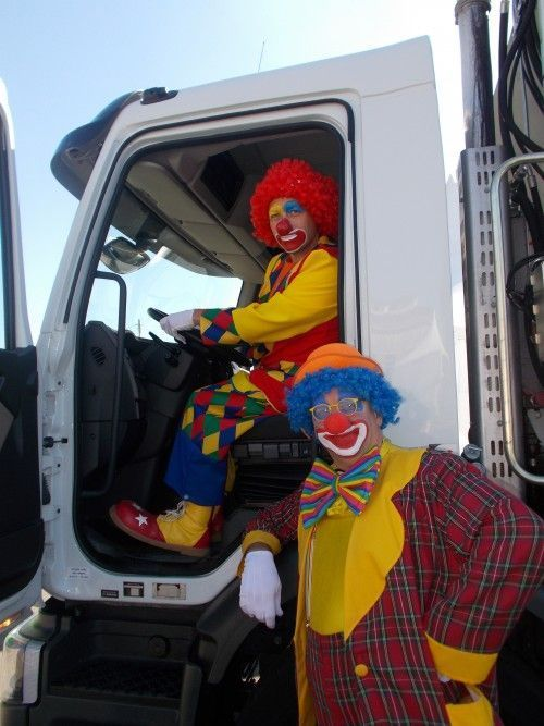 Charly's au volant d'un super camion poubelle