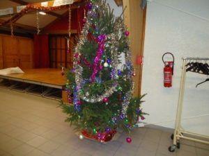 Le sapin de Noël décoré de saint folquin