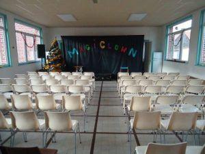 La salle des fêtes est prête pour le spectacle