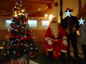 Le père Noël va distribuer les friandises