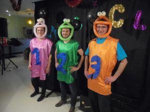 L'équipe de danse avec les clowns de Moreuil