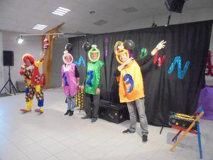 Zezette, Dédé et Casimir pendant le numéro danse avec les clowns