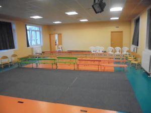 La salle de spectacle de l'école