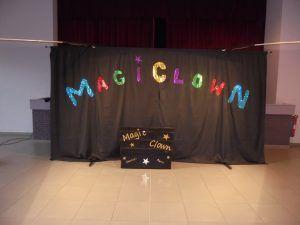 Le fond de scène du spectacle Magiclown