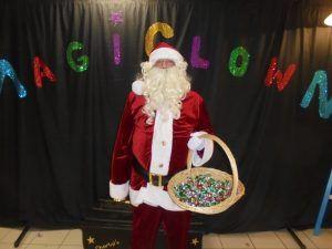 Le père Noël et ses friandises